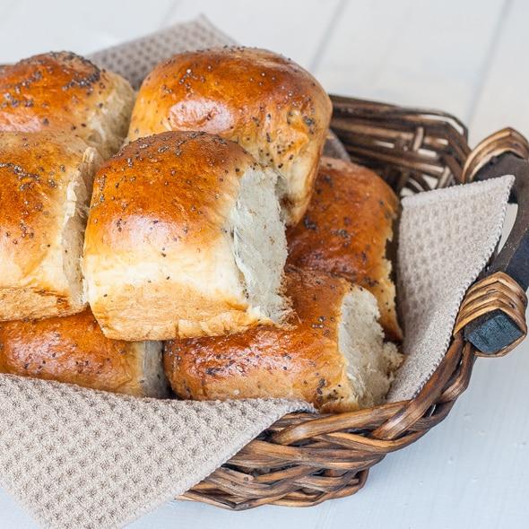 classic-dinner-rolls-1