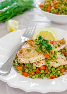 fresh-sole-fish-with-pea-salad-1