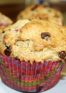 strawberry banana chocolate chip muffins12