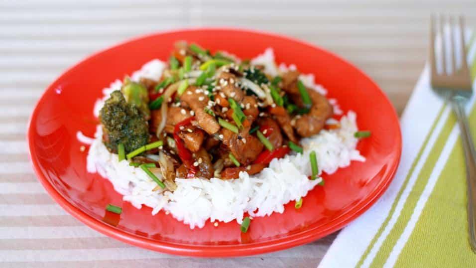 Easy Chicken Stir Fry - Jo Cooks