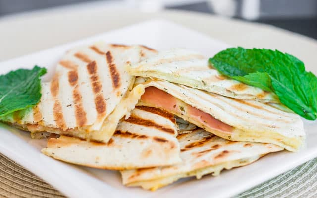 grilled-golden-gruyere-and-prosciutto-tortillas-2
