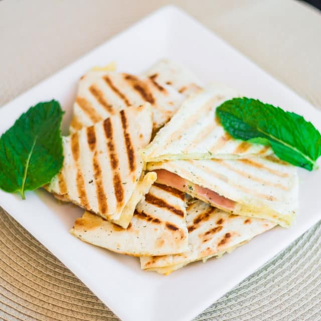 grilled-golden-gruyere-and-prosciutto-tortillas-3