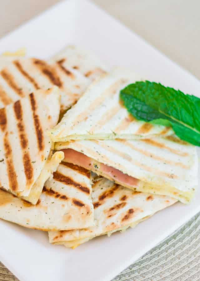 grilled-golden-gruyere-and-prosciutto-tortillas