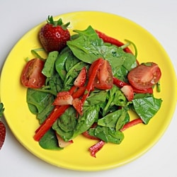 Fresh Spinach and Strawberry Salad