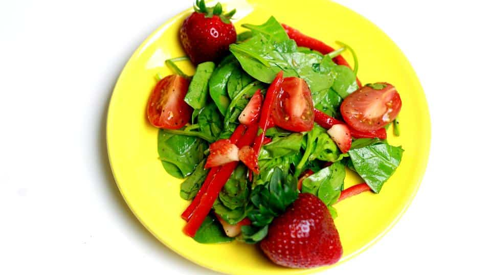 Finished strawberry and Spinach Salad
