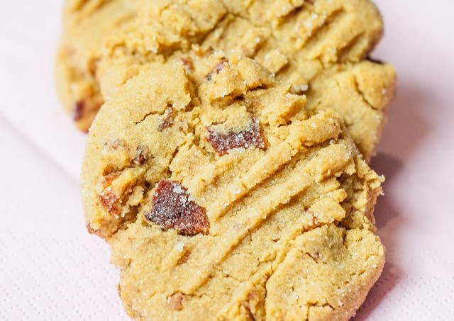 peanut-butter-bacon-cookies-1-7