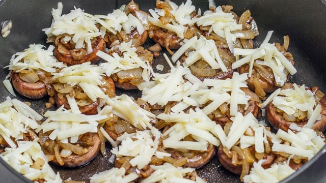 French Onion Soup Stuffed Mushrooms - french onion soup in a mushroom! What could be better?