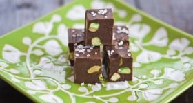 nutella fudge with pistachios and sea salt-1-2