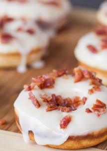 maple-bacon-donuts-1-3