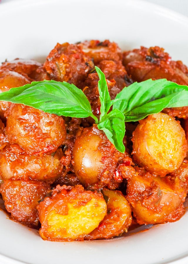 potatoes-in-hot-red-sauce-2