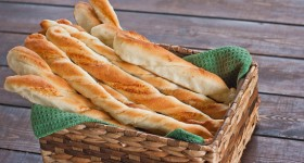 parmesan breadsticks-1-4