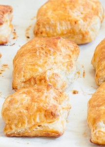buffalo-chicken-puff-pastries-3