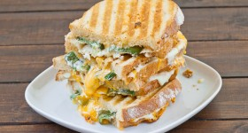 jalapeno popper grilled cheese-1-2