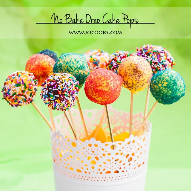 No bake oreo cake pops, all you need are oreo cookies, cream cheese, some chocolate and lots sprinkles.