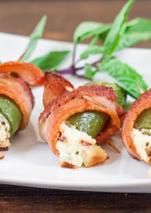 screaming-stuffed-jalapeno-poppers