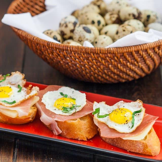 quail-eggs-and-pancetta-crostini