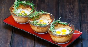 quail eggs in hashbrown nests-1