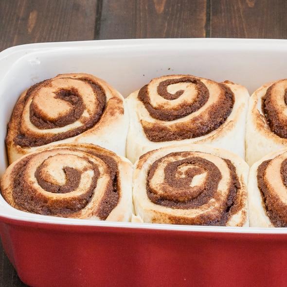 cinnabon-cinnamon-rolls-1-4