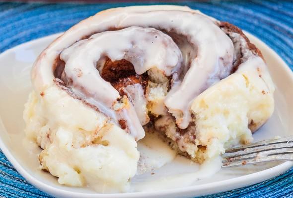 cinnabon-cinnamon-rolls-1