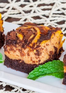 chocolate-pumpkin-cheesecake-brownies-3