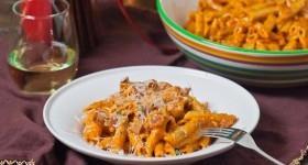 roasted red pepper pecan pesto pasta-1-2