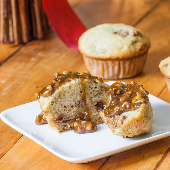 banana-chocolate-peanut-butter-muffins-with-praline-sauce-1