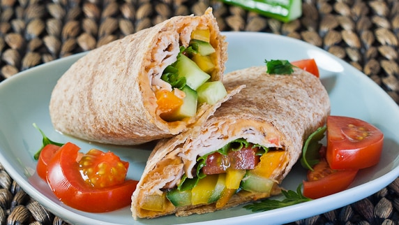 turkey, hummus and veggie wrap-1-4