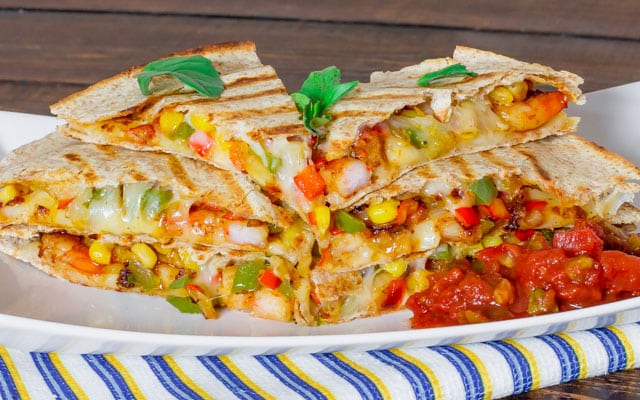 Shrimp Fiesta Quesadillas – who doesn't like delicious quesadillas? The ingredients here makes this quesadilla one of the best you'll ever try.