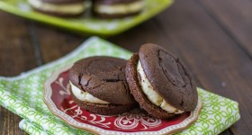 chocolate_whoopie_pies_with_bayleys_buttercream-1-3