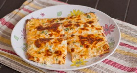cheesy flat bread-1-2