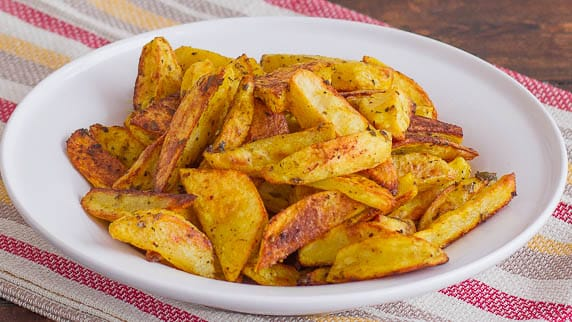 crispy indian spiced potato wedges-1-2