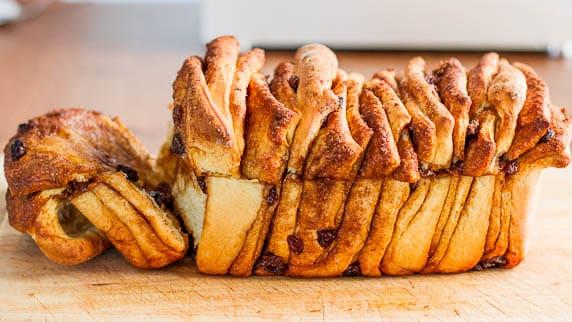 Cinnamon Brown Sugar Pull Apart Bread with Raisins