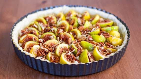 fig tart with pecans and goat cheese-1-3