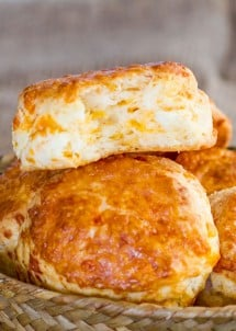 cheddar-cheese-biscuits