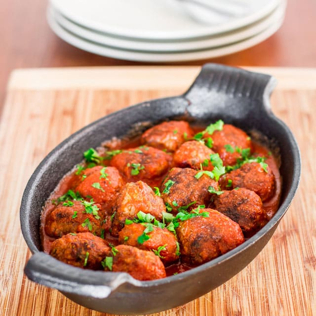 spicy-ricotta-meatballs-in-tomato-sauce-4