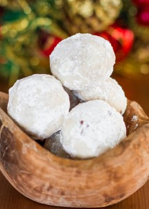 chocolate-pecan-snowballs-2