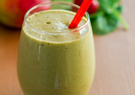 green-smoothie-with-hemp-1-4