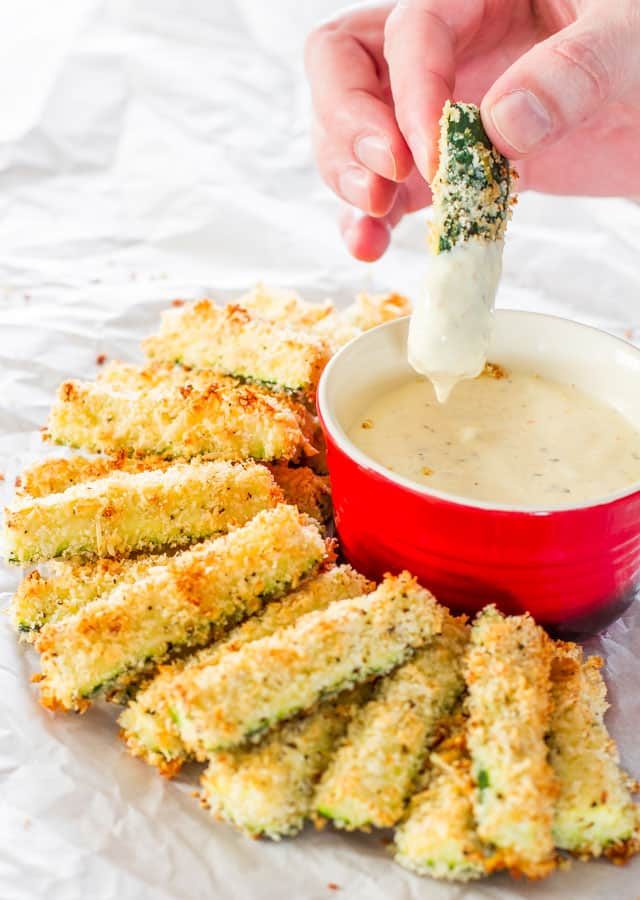 Baked Parmesan Zucchini Sticks - delicious zucchini sticks breaded with Panko breadcrumbs and Parmesan cheese, at only 98 calories a serving.