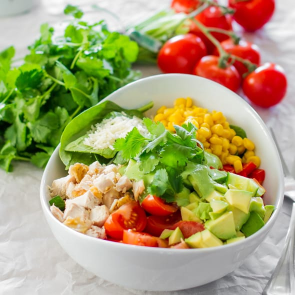 chicken spinach salad with avocado cilantro