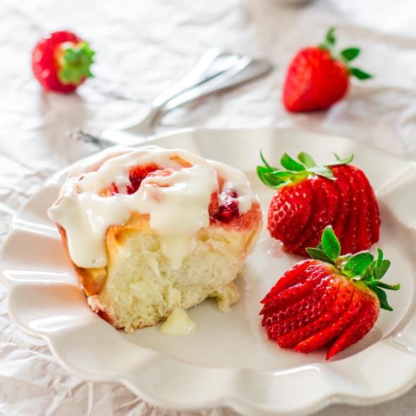 strawberry-rolls-1-4