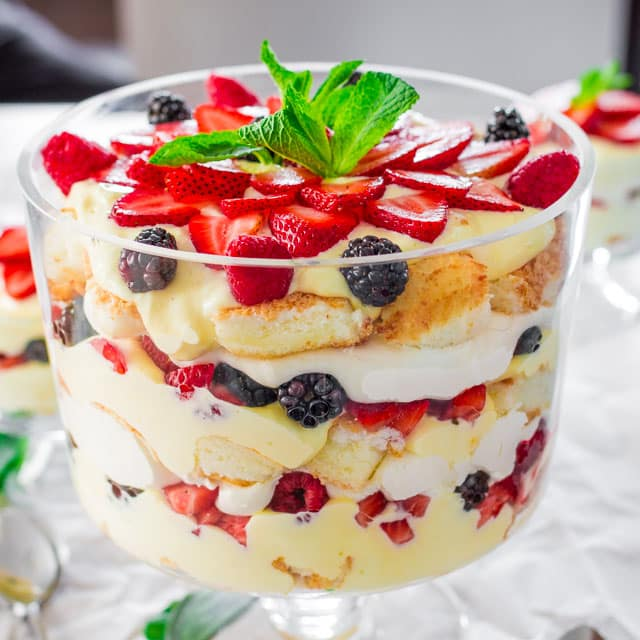 Berry Trifle With Pudding And Angel Food Cake