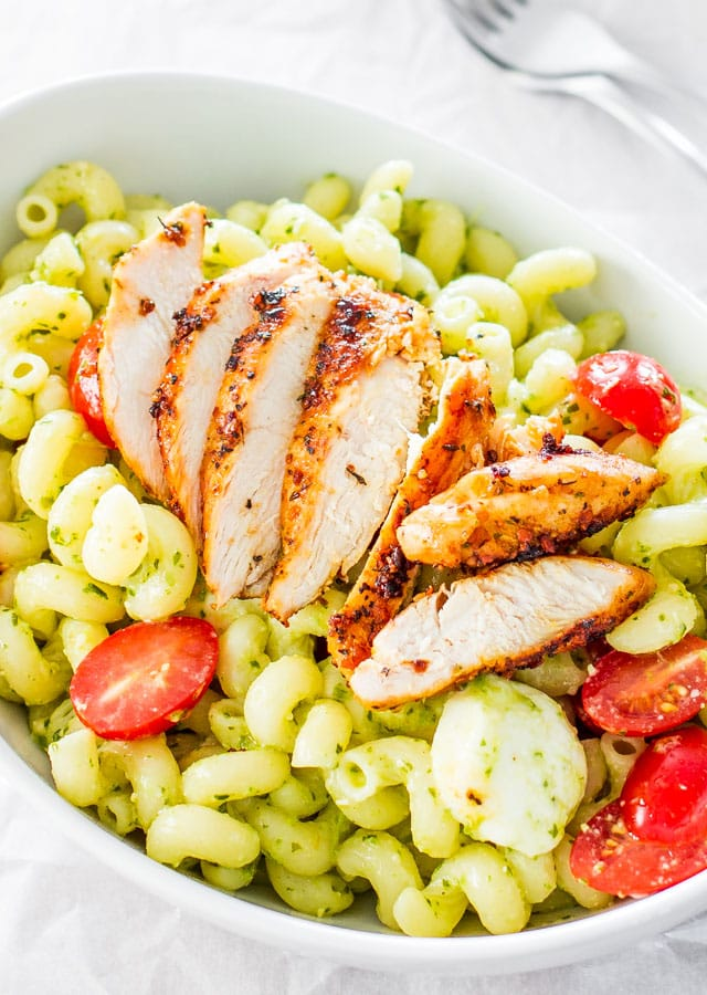 chicken-pesto-caprese-pasta