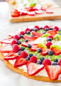 fruit-pizza-with-cream-cheese-icing