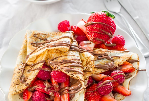 nutella-and-berry-crepes-1-3