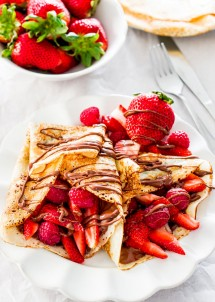 nutella-and-berry-crepes-2