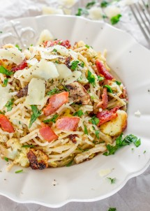 roasted-cauliflower-and-mushroom-carbonara-pasta-1