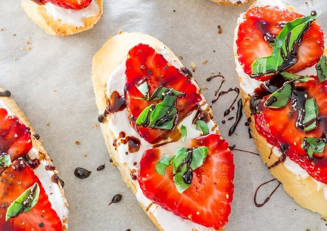 strawberry-basil-bruschetta-1-2