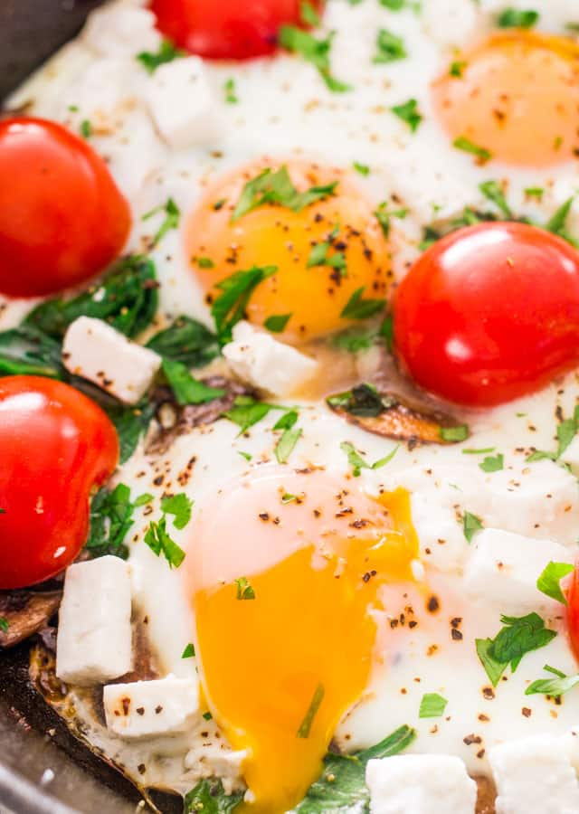 mushroom-spinach-goat-cheese-baked-eggs-3