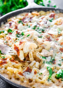 easy-chicken-alfredo-pasta-bake