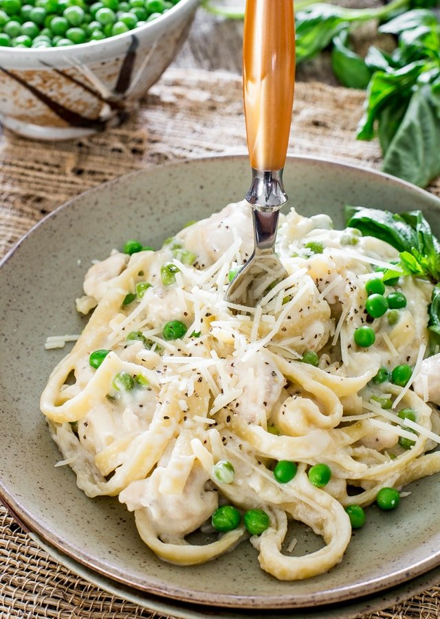 One Pot Chicken and Peas Fettuccine Alfredo